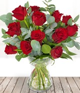 Valentines Traditional 12 Red Roses